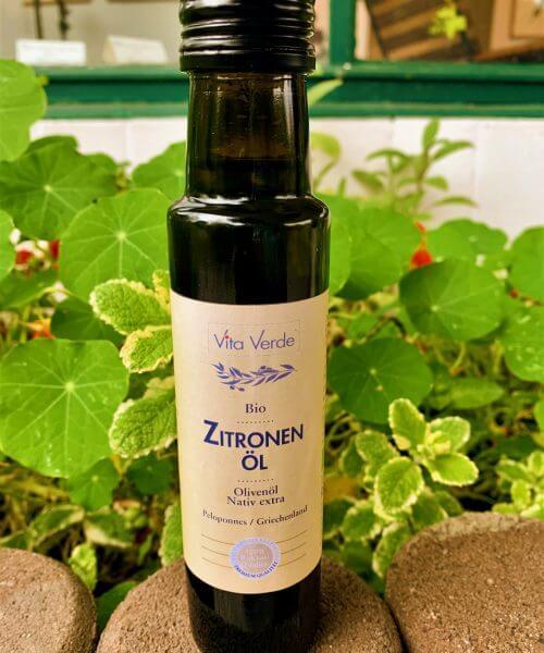 Vita Verde Bio-Zitronenöl vor Brunnenkresse