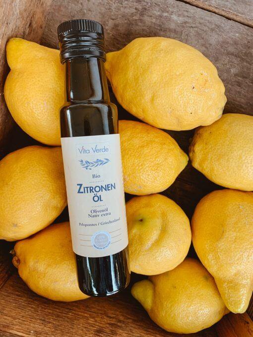 Vita Verde Bio-Zitronenöl auf Zitronen