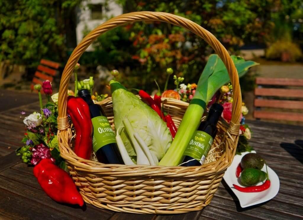 Obst und Gemüsekorb
